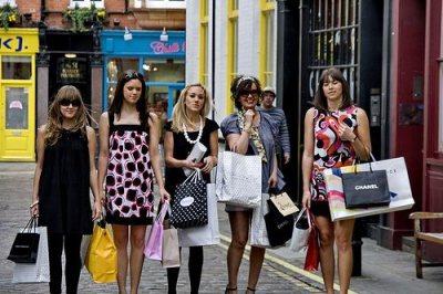 parler à un groupe de filles