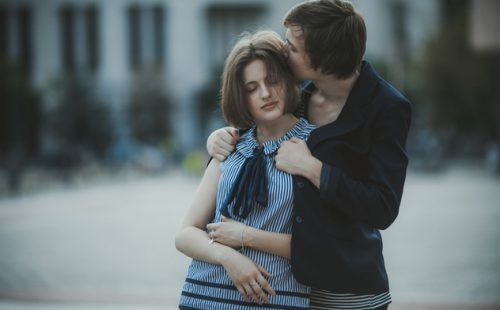 Comment flirter avec une fille timide