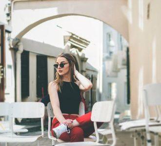 Comment commencer une conversation avec une fille : quoi dire suivant les différents cas de figure