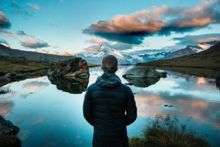 Comment devenir un homme charismatique (et pourquoi ça ne suffit pas) :